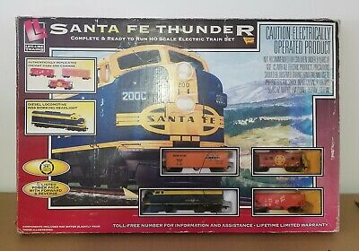 Life-Like Santa Fe 200C Thunder Electric Train Set, HO Scale