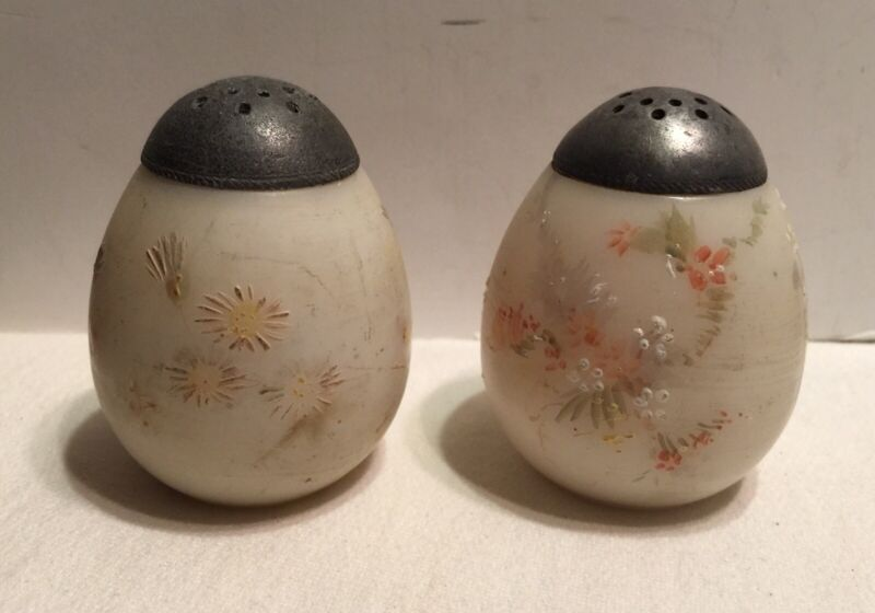 "Vintage Mt. Washington Hand Painted Opalware Egg Salt/Pepper Shaker 2 1/2"""