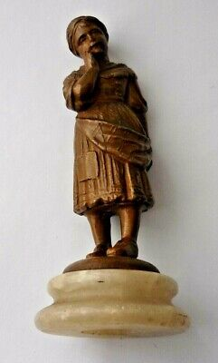 C1900 SPELTER FIGURE OF A YOUNG GIRL MOUNTED ON A MARBLE PLINTH