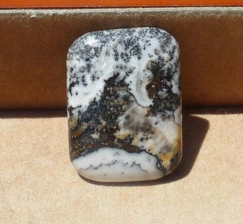 Natural hand cut Silver dendrites with calcite cabochon from California 31.40 ct