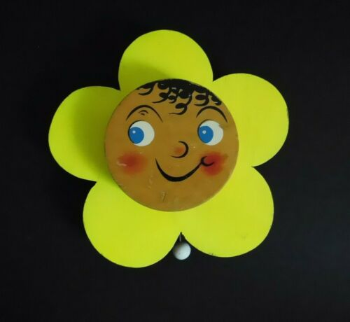 Vintage Wooden Bright Yellow Flower Smiling Face Wall Hanging Music Box