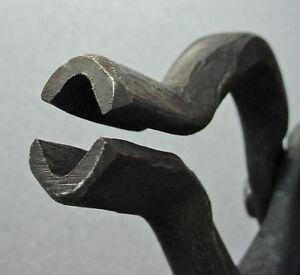Blacksmith Tongs 1/2 inch V-bit