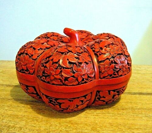 """6"""" Vintage 1970s Chinese Finely Carved Red Lacquer Cinnabar Pumpkin Gourd Box"""