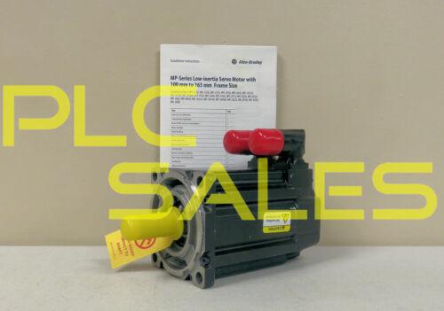 Allen Bradley MPL-A420P-HJ72AA     Kinetix AC Servo Motor  *NEW*