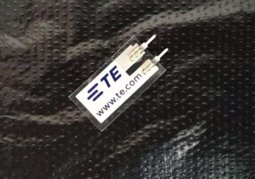 High sensitivity AC coupling for piezoelectric thin film Piezo vibration sensor
