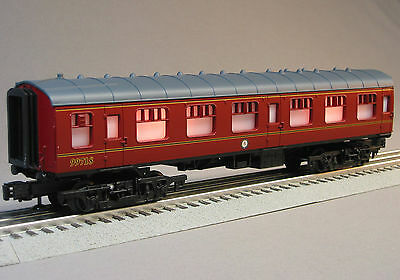 LIONEL HARRY POTTER HOGWARTS COACH O GAUGE train passenger car 11020-C-99718 on Rummage