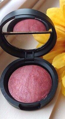 Med Rose (LAURA GELLER Baked Brulee Luminous Blush ~CASSIS VIOLET~ Cool Medium Rose)