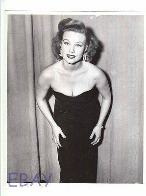 Gale Robbins Busty Vintage Photo