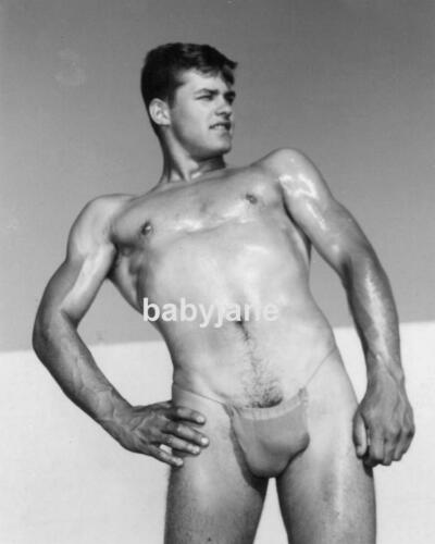 025 BRIAN IDOL POPULAR PHYSIQUE MODEL SEMI NUDE IN POSING STRAP PHOTO