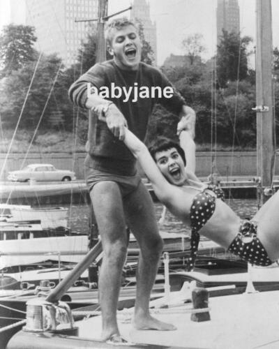 002 TAB HUNTER WEARING TINY BATHING SUIT CLOWING AROUND W/ NATALIE WOOD PHOTO