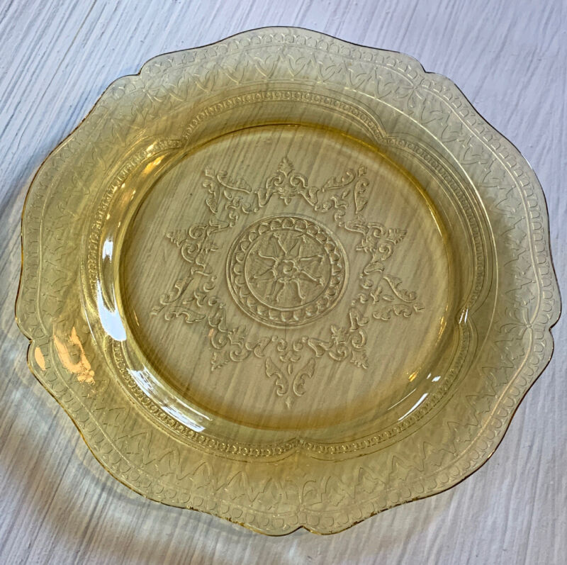 """VINTAGE YELLOW AMBER DEPRESSION GLASS 11"""" PLATE FEDERAL PATTERN PATRICIAN 1930s"""