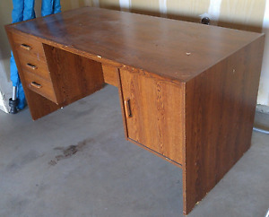 Desk for any student or space! $30 obo!