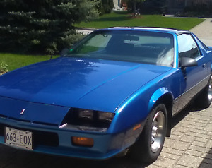 1987 Chevrolet Camaro Coupe (2 door) V6