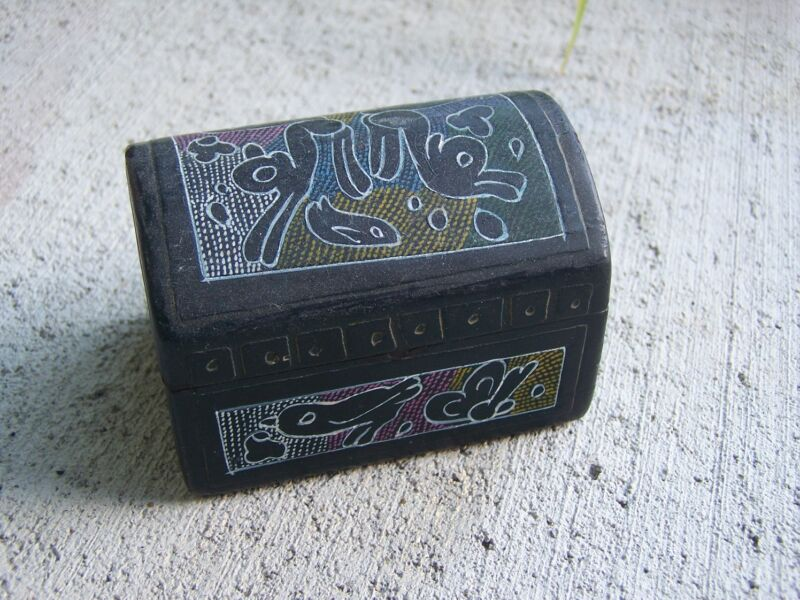 Smaller Black Delicately Painted Wooden Jewelry/Earring Box Patzcuaro, Mexico