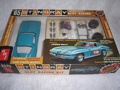 1/24 AMT SCALE RARE VINTAGE 1965 CORVETTE STINGRAY TEAL BLUE SLOT CAR KIT-MIB!