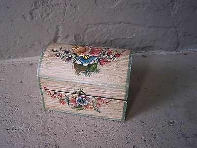 Painted Wood Jewelry Box with Delicate Flowers, Medium - Peru