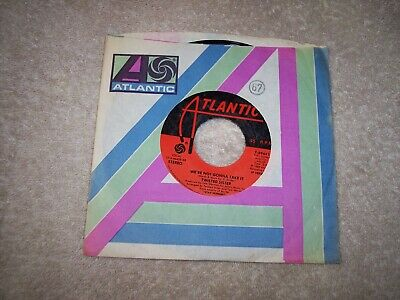 45<<TWISTED SISTER<<WE'RE NOT GONNA TAKE IT / YOU CAN'T STOP ROCK 'N' (We Re Gonna Rock We Re Gonna Roll)