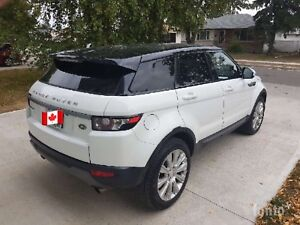 ***LIKE NEW 2015 RANGE ROVER, LAND ROVER EVOQUE w 31,000kms***