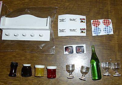schönes bestücktes Wandregal mit Vorräten in weiss - Miniatur 1:12 Puppenhaus