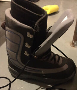 Men's size 10 snowboard boots