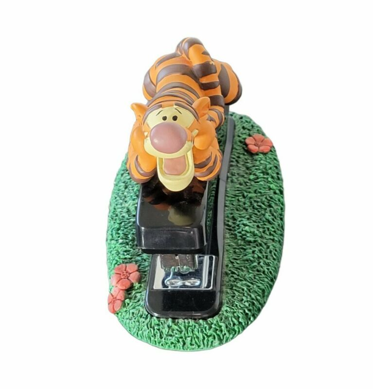 Disney Tigger Stapler Desk Set Office Home Collectible Figure Winnie The Pooh
