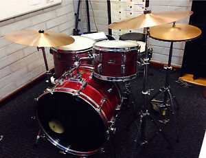 Vintage 70's Pearl kit with Paiste 2002 Cymbals Bayswater Bayswater Area Preview