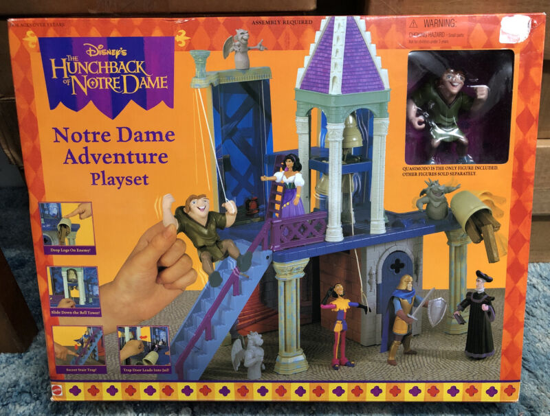NOTRE DAME ADVENTURE PLAYSET, FROM DISNEY
