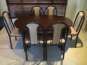 DINING TABLE (EXTENDABLE) PLUS 6 DINING CHAIRS
