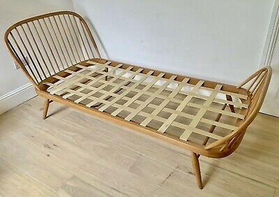 Rare Ercol Windsor single bed, model 358. Alternative to studio couch/day bed.