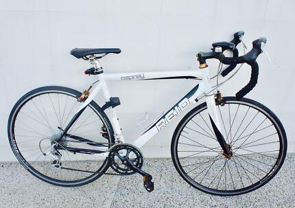 Reid Osprey Road Bike + Lock + lights