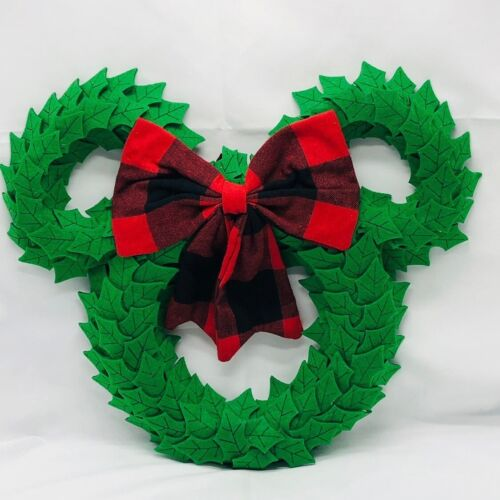 Disney Parks Holiday Plush Wreath-New With Tag