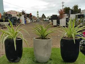 GARDEN POTS AT WHOLESALE PRICES. 30%-50% OFF POTS, PLANTER BOXES Hoppers Crossing Wyndham Area Preview
