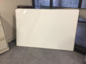 White Board in very good conditions Various Sizes Lane Cove West Lane Cove Area Preview