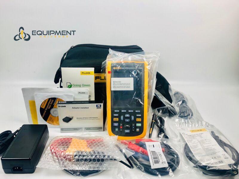 NEW Fluke 125B ScopeMeter 40MHz Industrial ScopeMeter W/ CASE