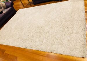 Large rug in white