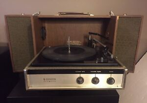 Vintage Zenith Solid State Portable Turntable Record Player