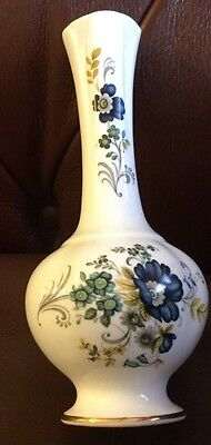 Royal Tara Porcelain Bud Vase Made In Galway Ireland Fine Bone China VGC