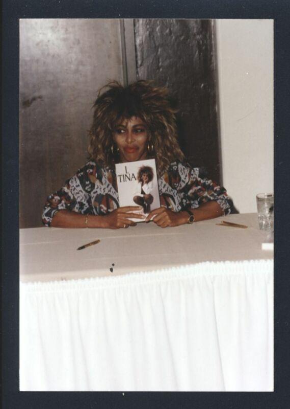1990s TINA TURNER Live Candid Snapshot @ Book Signing Vintage Original Photo nb