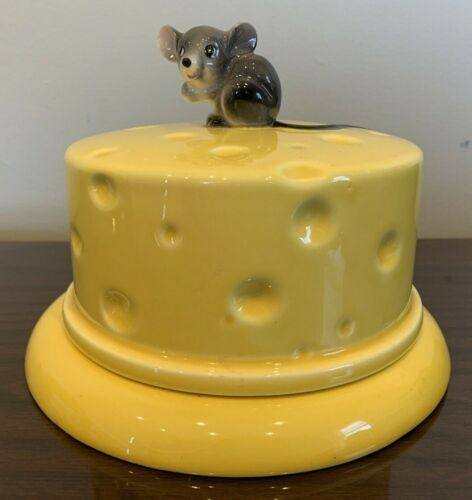 Vintage Lefton Cheese Keeper ~ Grey Mouse ~ Covered Dish China Plate ~ EUC