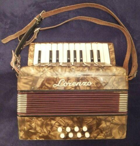 LORENZO 8 BASS (GDFC) BOX/PIANO ACCORDION 1895grms 10