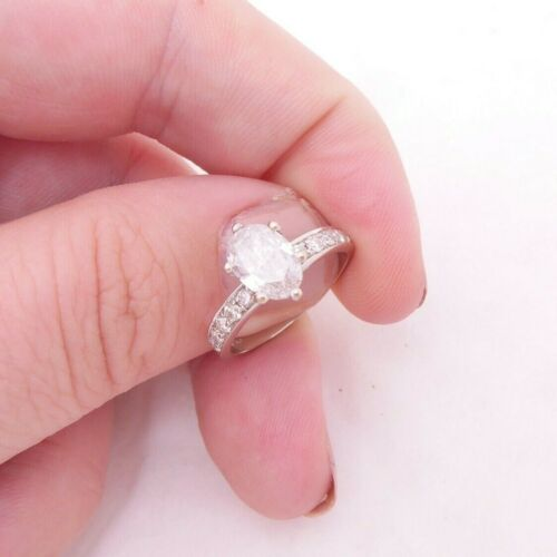 18ct gold 1.1/4ct oval diamond ring,