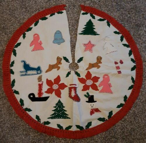 """Vtg Handmade Felt Christmas Tree Skirt Applique Sequins 36"""" Fringe Sled Bell"""