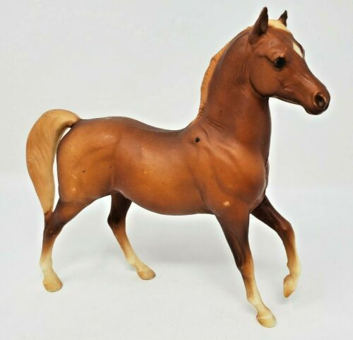 Breyer Model Horse Classic Arabian Stallion #3055 Sorrel Variation Loose EUC