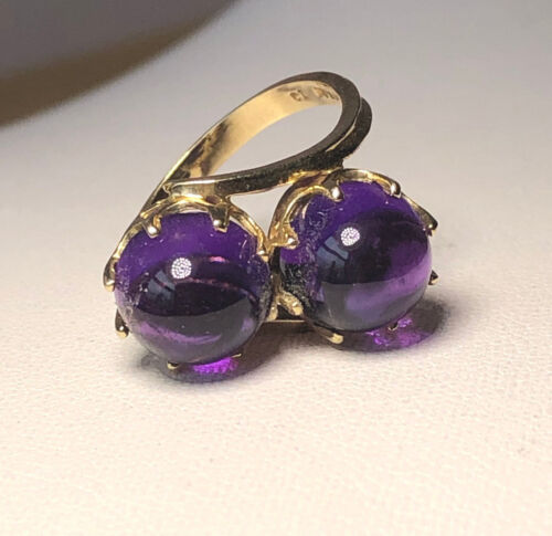VINTAGE 10K YELLOW GOLD TWO / DOUBLE PURPLE AMETHYST CABOCHON STONES RETRO RING