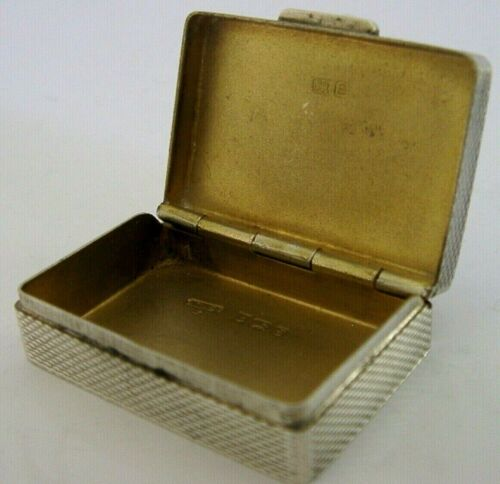 ENGLISH SOLID STERLING SILVER PILL SNUFF BOX 1979 ENGINE TURNED