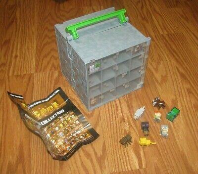 Minecraft mini figure collector case with mini figures