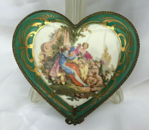 "French Limoges 6""x 6"" Hand-painted Gold Trim Hinged Heart Box with Markers Mark"