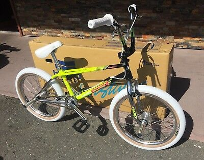 2017 HARO MASTER LINEAGE COMPLETE BIKE 1987 CHROME BLACK YELLOW BMX BIKES