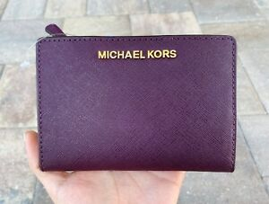 e2c0cc562908 Michael Kors Medium Card Case Carryall Bifold Wallet Damson Purple ID Holder
