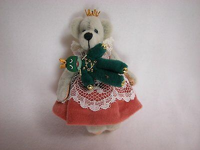 """World of Miniature Bears 3.25"""" Cashmere Bear Princess 'N"""" Frog #679 Collectible"""